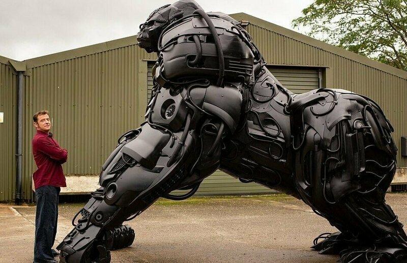 Британский скульптор создал «гориллу апокалипсиса» из отходов автомобильной промышленности (11фото)