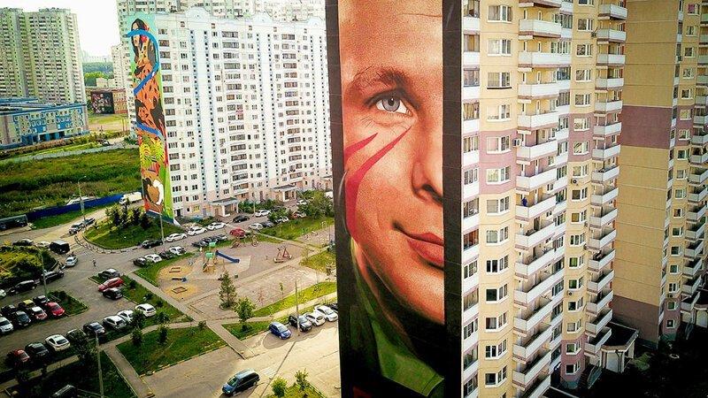 Гигантский Юрий Гагарин приземлился в Одинцово (11фото)