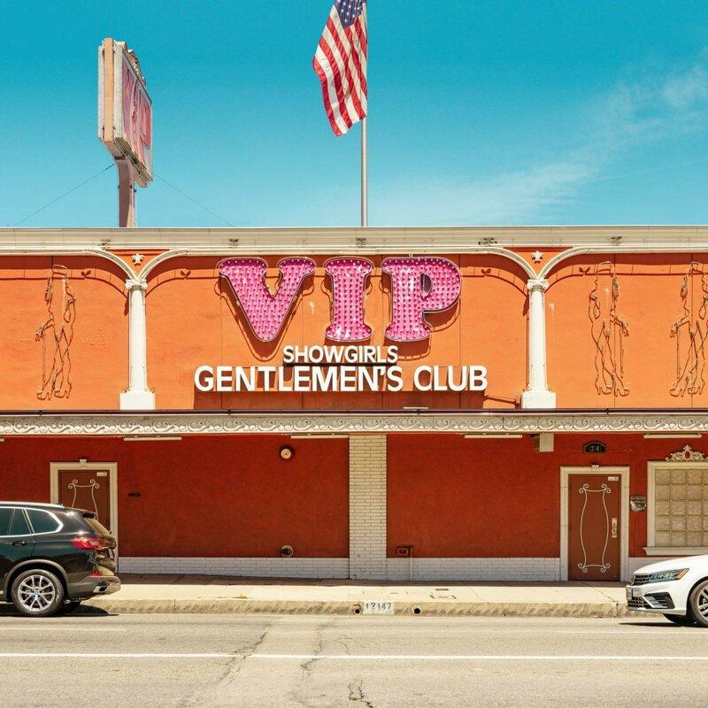 «Джентльменские клубы» Франсуа Проста – придорожные стрип-заведения Америки (40фото)