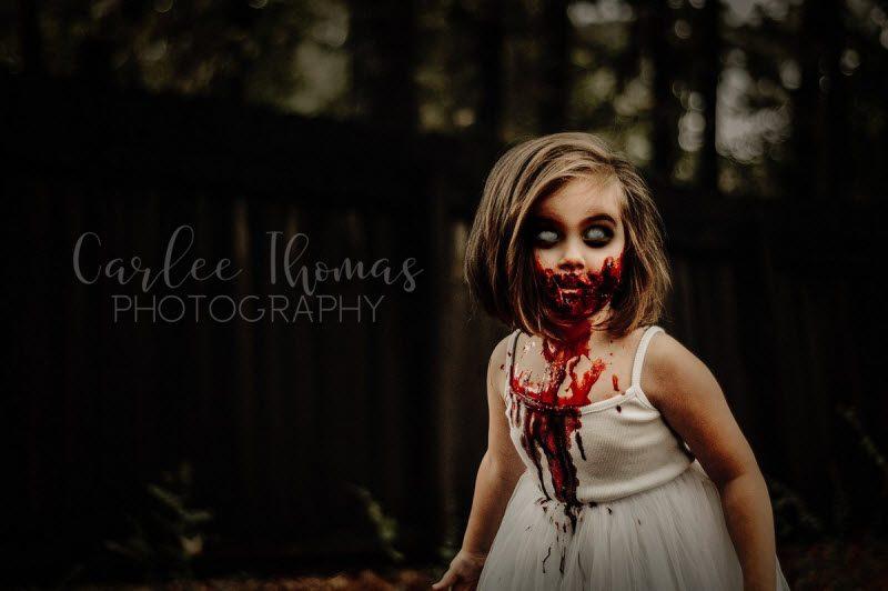 Мама устроила зомби-фотосессию с дочерьми к Хэллоуину и получила смертельные угрозы от троллей (10 фото)
