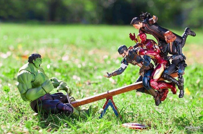 Художник из Японии воплощает в реальную жизнь сценки с супергероями (43фото)