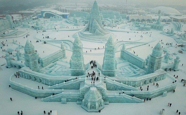 Харбинский международный фестиваль ледовых и снежных скульптур (29фото)