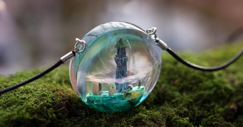 69 авторских украшений и предметов декора с миниатюрными мирами внутри (69фото)
