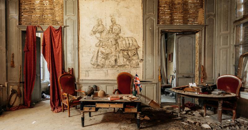 Французский замок Кенель незадолго до разрушительного пожара (9фото)