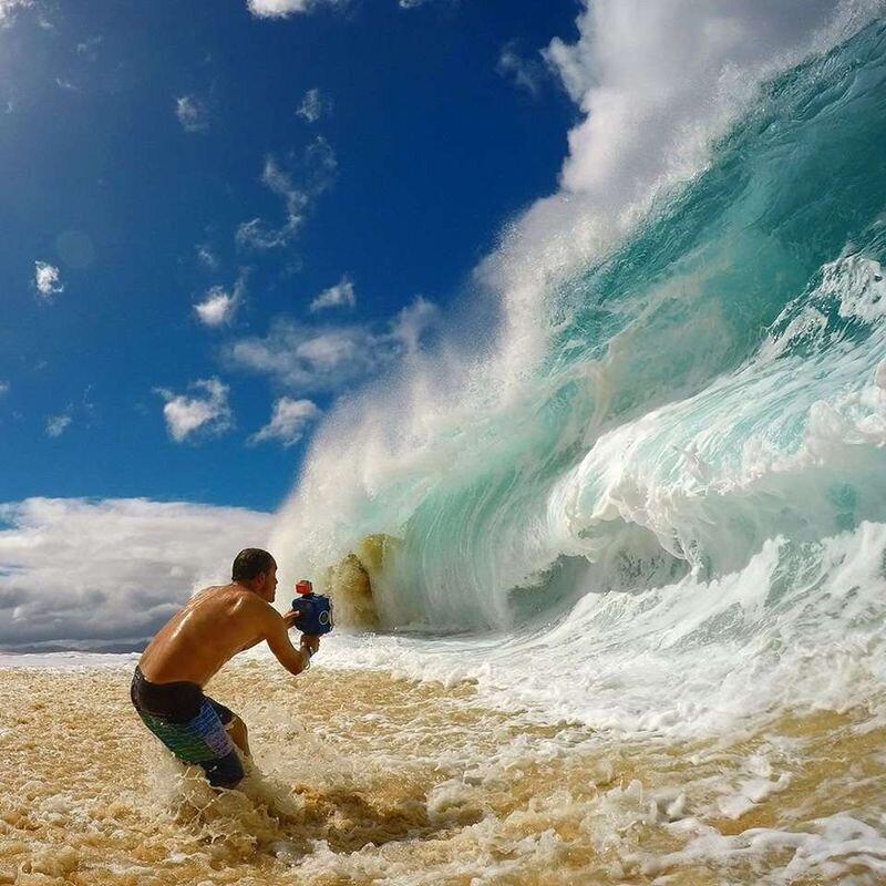 Вот как фотографы снимают гигантские волны на пляже (5фото)