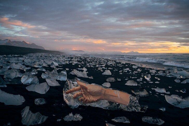 Этот художник рисует прямо на… айсбергах! Такого вы еще точно не видели! (5фото)