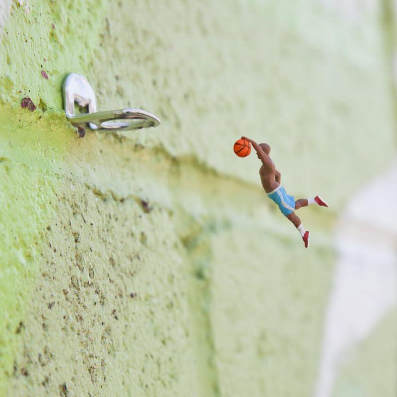 Удивительный микромир под ногами прохожих (11 фото)
