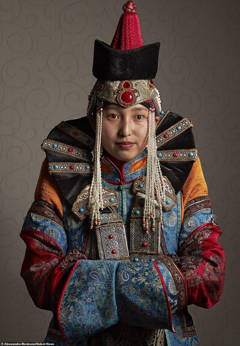 самары частный фото монголов лежал ванной