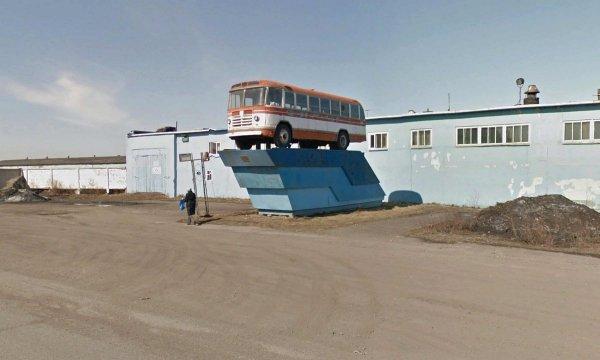 Французский фотограф Джейсон Гильбо снимает реликвии бывшего СССР, не выходя из дома (20 фото)