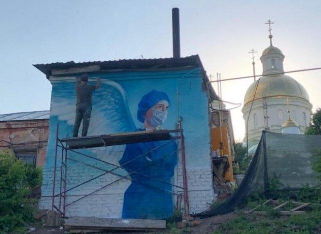 Граффити с просторов России, посвященные врачам, борющимся с коронавирусом (15 фото)