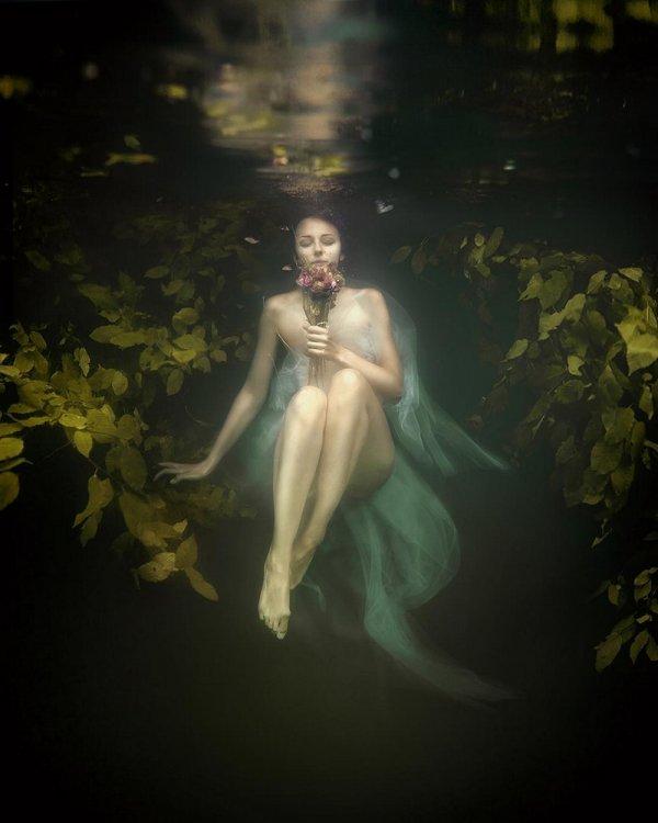 Завораживающие и мистические снимки от немецкого фотографа Сина Домке (28 фото)