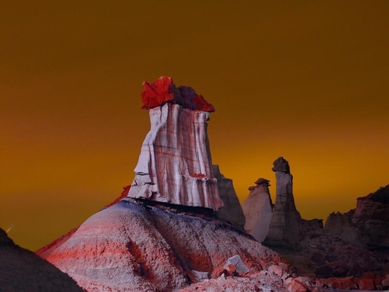 Фотограф создает инопланетные пейзажи с помощью подсветки (13фото)