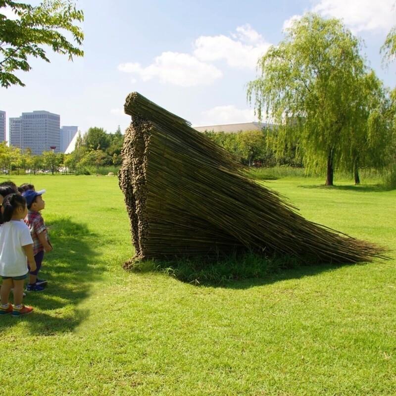 Великолепная скульптура Ольги Зиемской «Неподвижность в движении» (22фото)