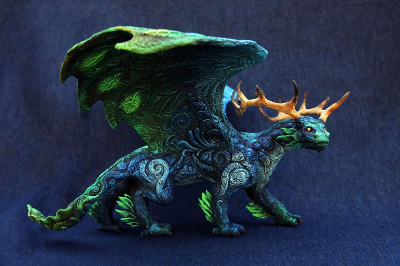 Российский художник создает сказочных зверей из бархатного пластика (35фото)