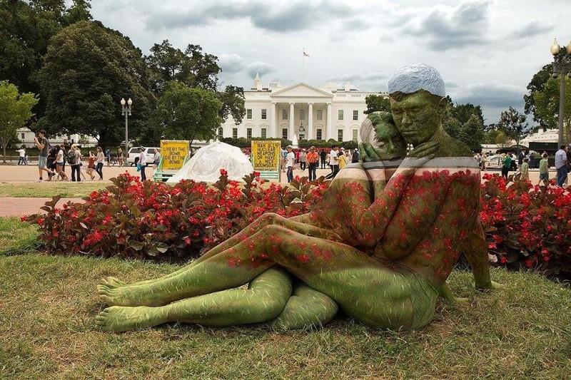 Трина Мерри — художница, «растворяющая» моделей в пейзажах (17фото)