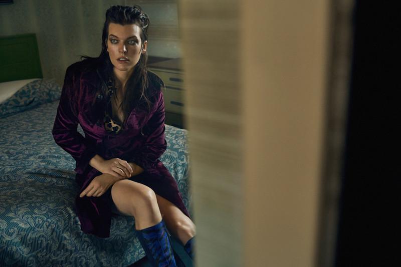 Фотосессия Milla Jovovich для Vogue Ukraine, октябрь 2016 (17фото)