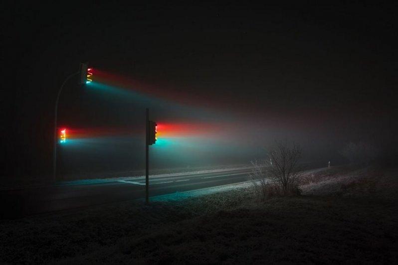 Потрясающие фотографии светофоров в тумане (7фото)