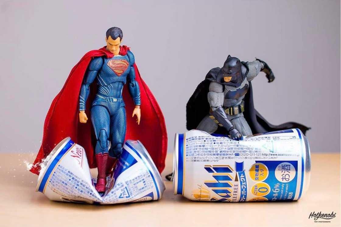 Шикарные фото игрушечных супергероев от японского фотографа (29фото)