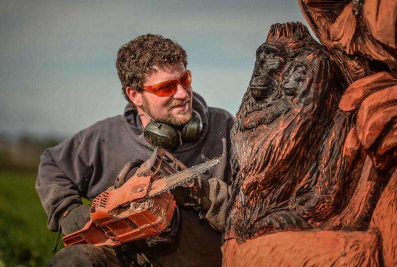 Удивительные скульптуры сделанные бензопилой (18фото)