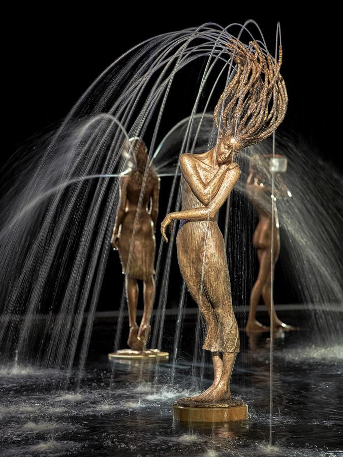 Потрясающие фонтаны. Скульптор Magorzata Chodakowska (12фото)