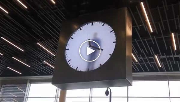 На эти часы можно смотреть бесконечно долго